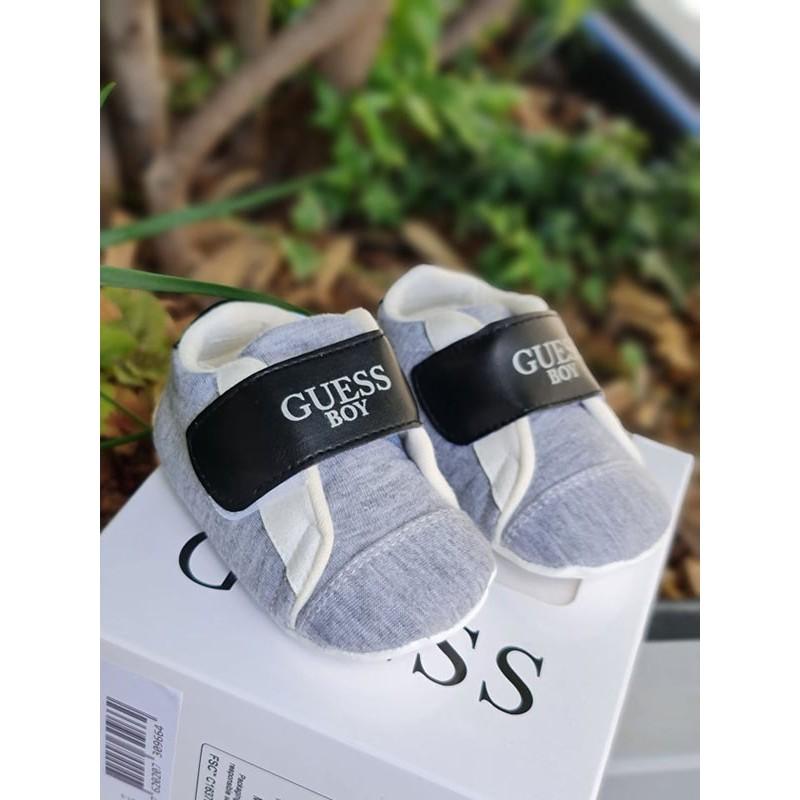 Chaussures souples Guess Camille grises avec scratch