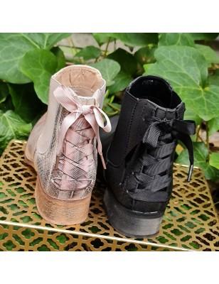 Bottines Abel noires effet brillant argenté avec contrefort croco et lacet